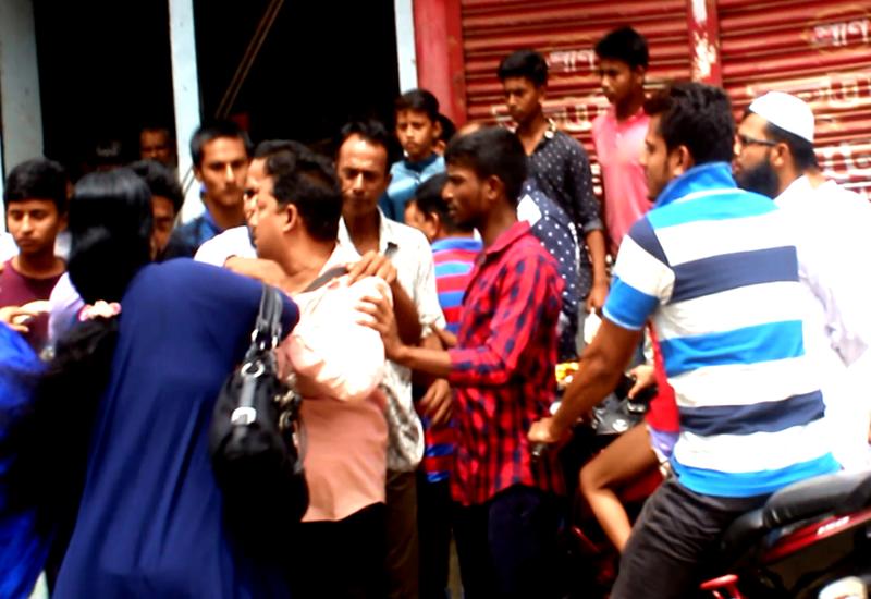 কুমিল্লায় সাংবাদিকের উপর হাসপাতাল কর্তৃপক্ষের হামলা