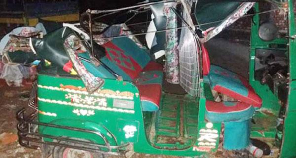 কুমিল্লায় কাভার্ডভ্যান-অটোরিকশা সংঘর্ষে চালক নিহত