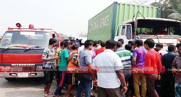 কুমিল্লায় ট্রাকের ধাক্কায় নারীসহ ২ জন নিহত