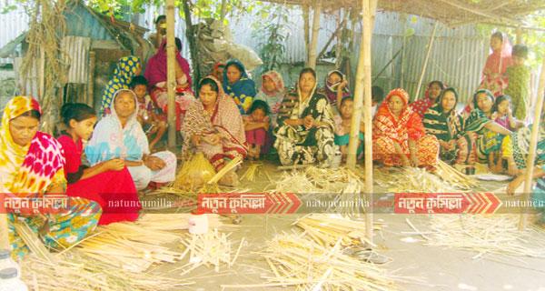 কুমিল্লায় সেবার উদ্যোগে দরিদ্র পরিবারে বাঁশ-বেতের প্রশিক্ষন সমাপ্ত