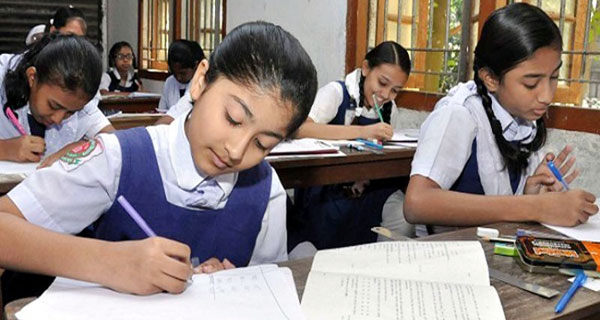নাঙ্গলকোটে শিক্ষার্থীদের ফলাফলে কারচুপির অভিযোগ