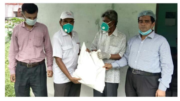 কুমিল্লায় সাংবাদিক সমিতির উদ্যোগে করোনায় ক্ষতিগ্রস্থ সাংবাদিকদের ঈদ উপহার প্রদান