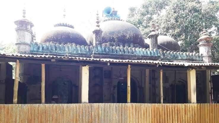 কুমিল্লায় অর্ধশত মসজিদের শতাধিক ব্যাটারি চুরি!